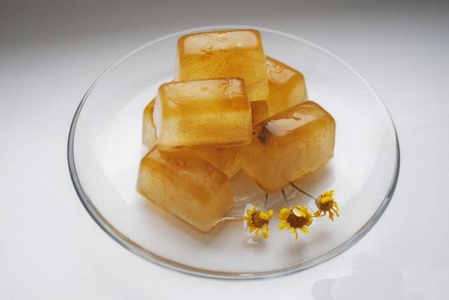 кубики льда с отваром ромашки для лица