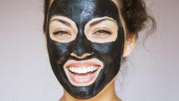 Black mask позволяет избавиться от черных точек, прыщей и комедонов.